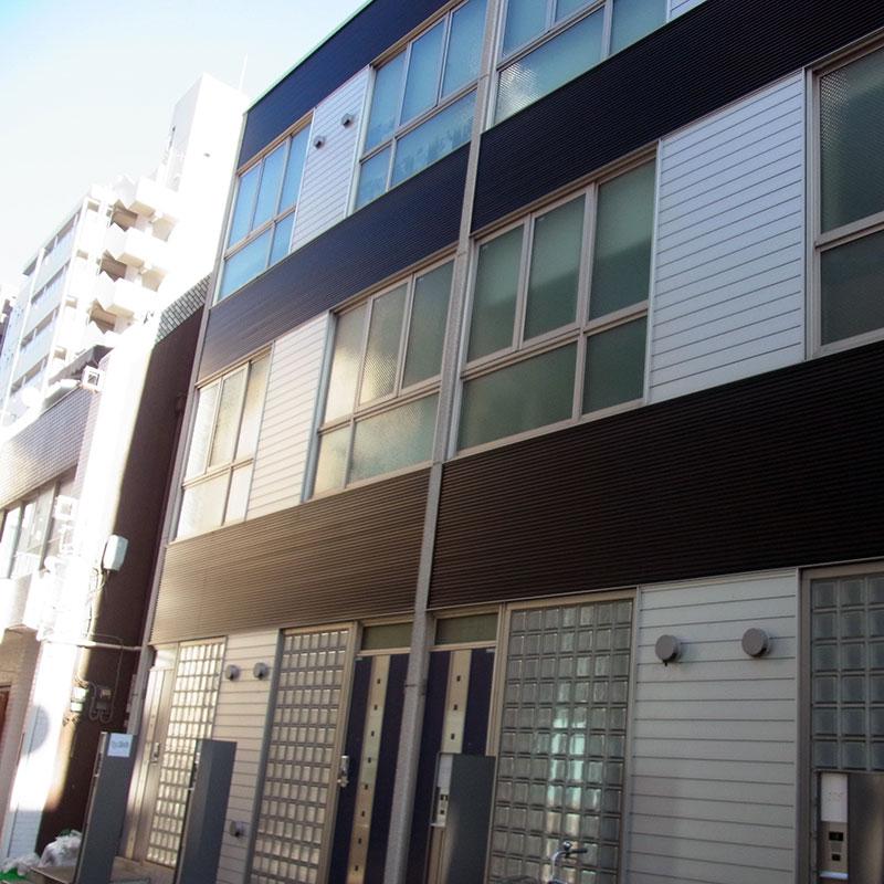 ネイルスタジオキャメロットは1階の103号室です