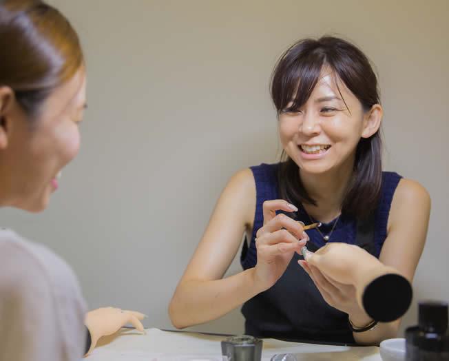 池袋ネイルスクール【キャメロット】講師 川副有希(かわそえ あき)